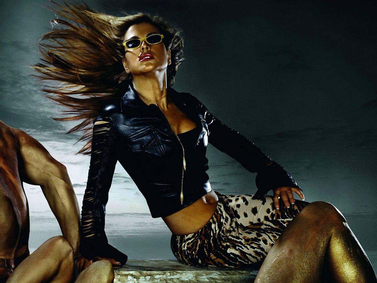 ładna tapeta na telefon Chanel, Modelka, Moda 🔥 Pobierz